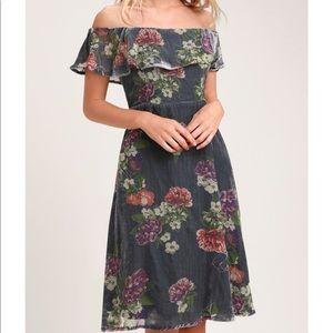 🆕 Lulu's VELVET FLORAL DRESS